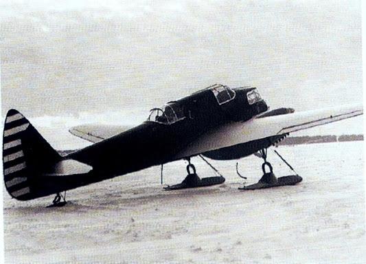2.Учебно-тренировочный самолет УТ-3.