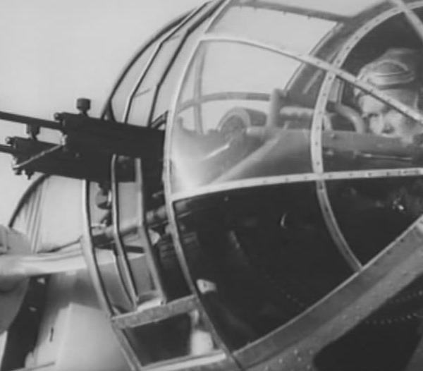 25.Носовая стрелковая установка СБ-2.