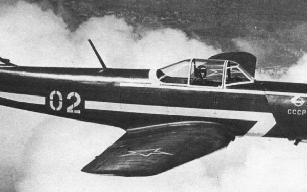28.Як-18П в полете. 2