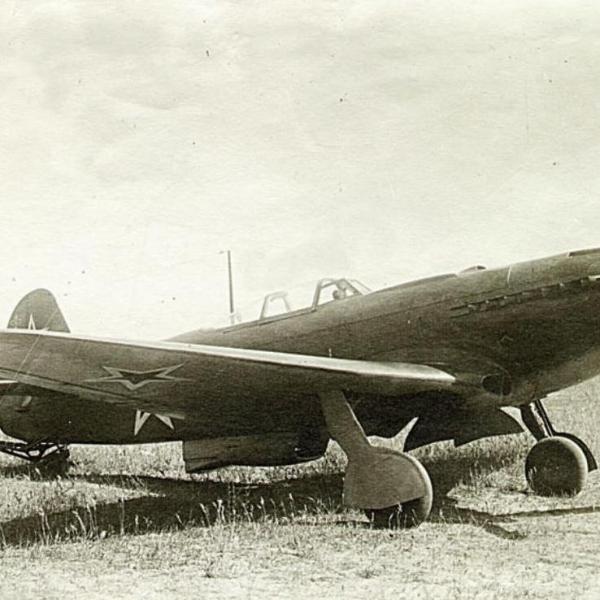 2а.Як-9П с противоштопорной установкой РПУ-300 на испытаниях в интересах ЦАГИ. 1947 г.