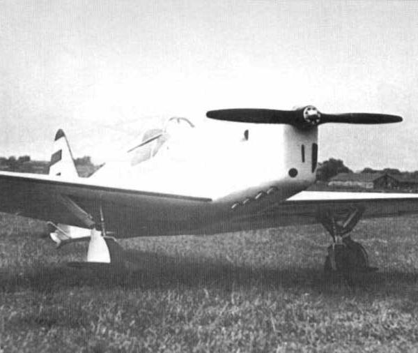 3.АИР-18 с двигателем Renault-4Pei.