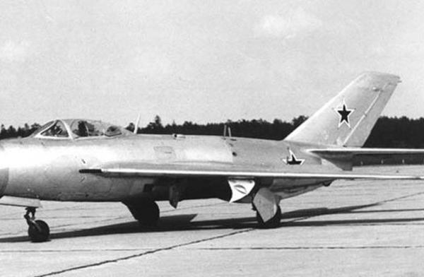 3.Истребитель И-360 (СМ-2-2).