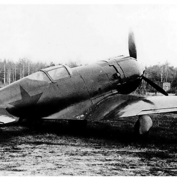 3.Опытный МиГ-9 (Первый).