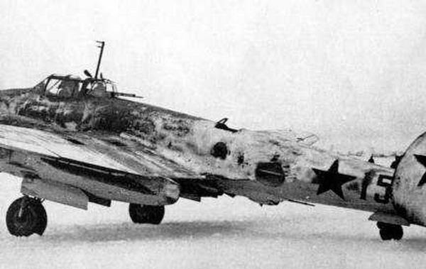 3.Пе-2 с турелью ВУБ-1.
