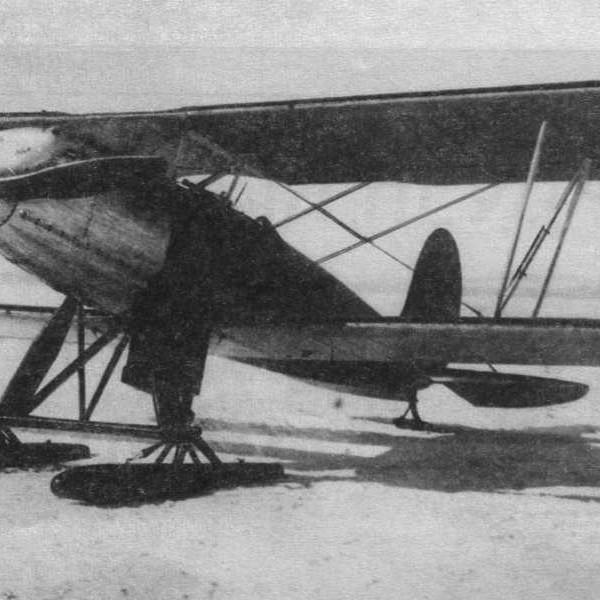 3.Первый опытный экземпляр И-3 на лыжном шасси. 2