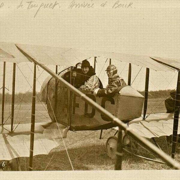 3.Пилоты в кабине учебного Caudron G.III.