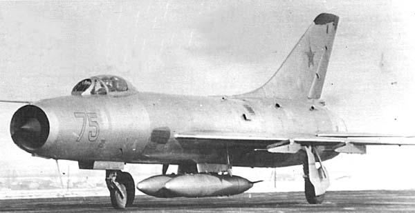 3.Серийный истребитель-перехватчик Су-9.