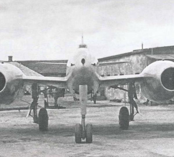 3.Су-11 (первый). Вид спереди.