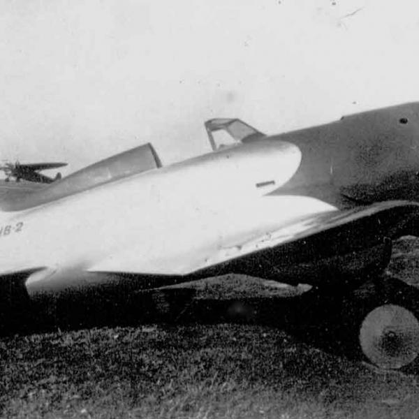 3.Учебный самолет НВ-2 на стоянке. 2