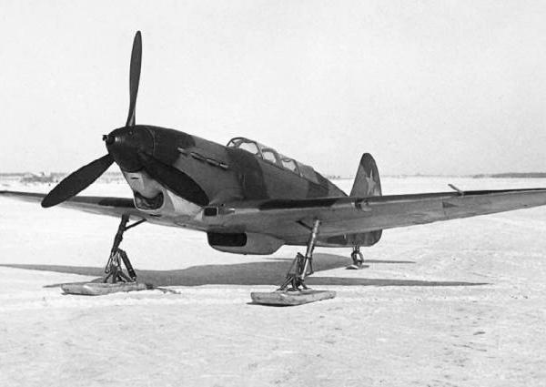 3.Як-7В УТИ на лыжном шасси.
