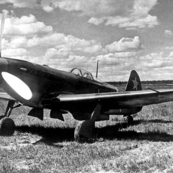 3.Як-9П с усиленным вооружением (1хН-45и 2хБ-20С).