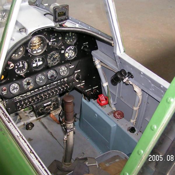 32.Кабина Як-18А.