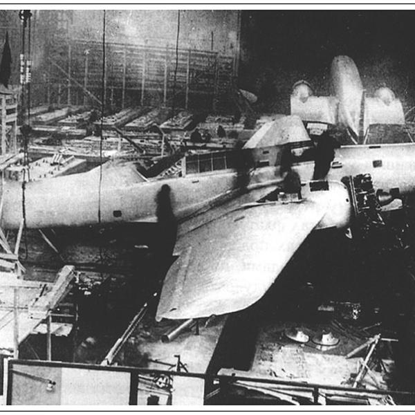 3а.АНТ-41 в сборочном цехе ЗОК ЦАГИ.