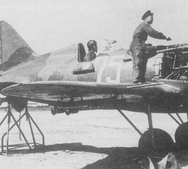 3а.Пристрелка борт.оружия на И-16 тип 29.