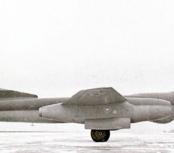 4.Бомбардировщик-торпедоносец Ту-14Т.
