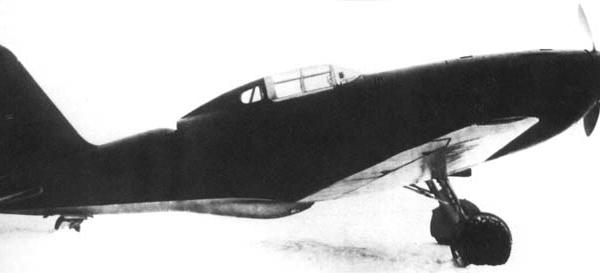 4.Истребитель Су-1.