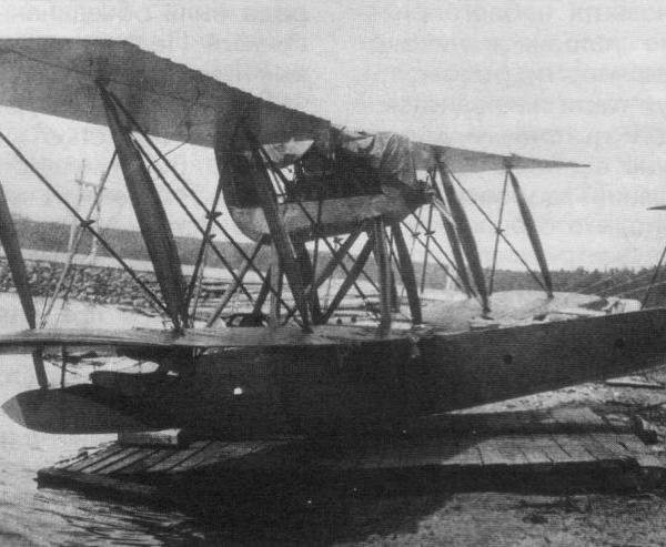 4.М-24 установлена на временный дощатый настил.