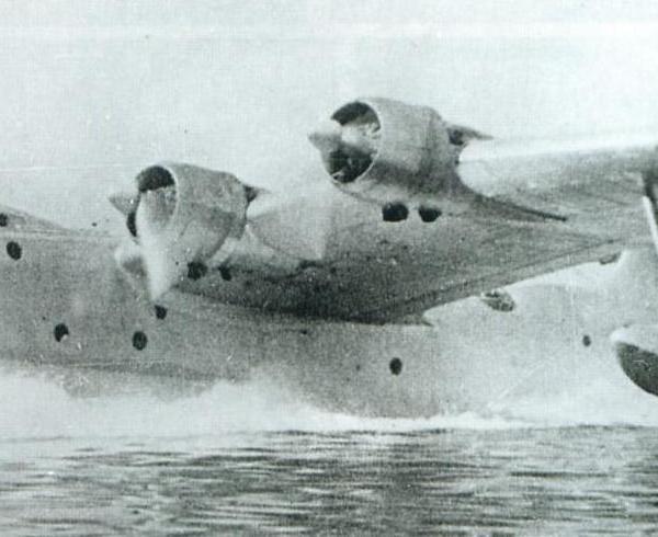 4.МТБ-2Д (АНТ-44Д) на морских испытаниях.