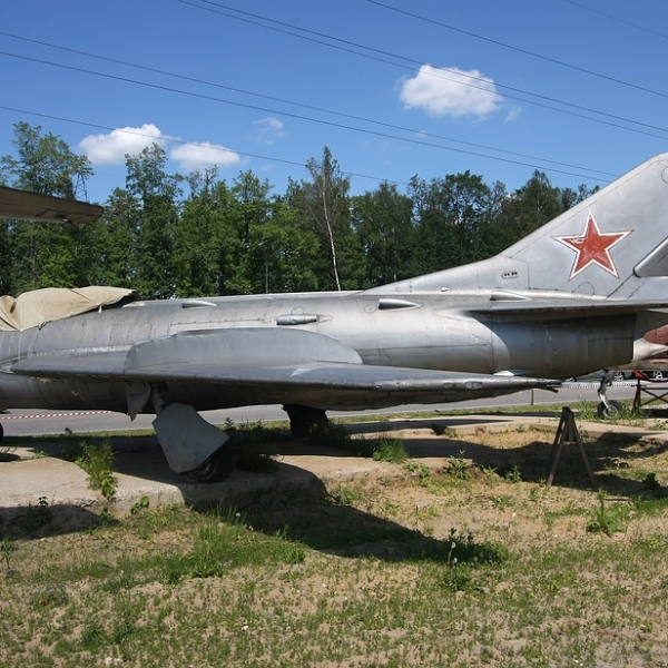 4.МиГ-19СВ в музее.