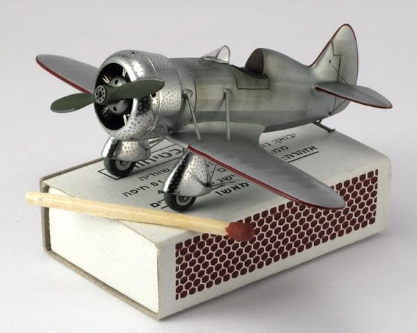 4.Модель самолета НВ-1. 1