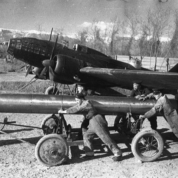 4.Подготовка к подвеске торпеды 45-36-АН на Ил-4Т.