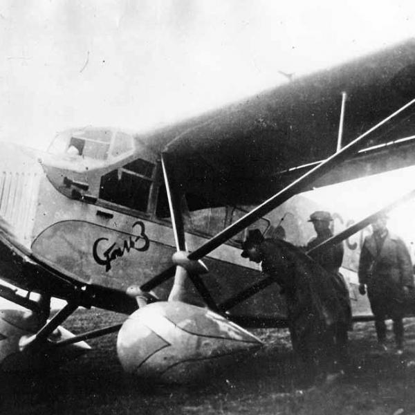 4.Самолёт Сталь-3.