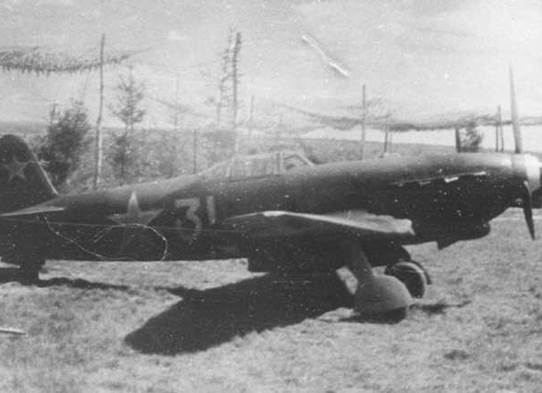 4.Як-9М полка Нормандия-Неман.