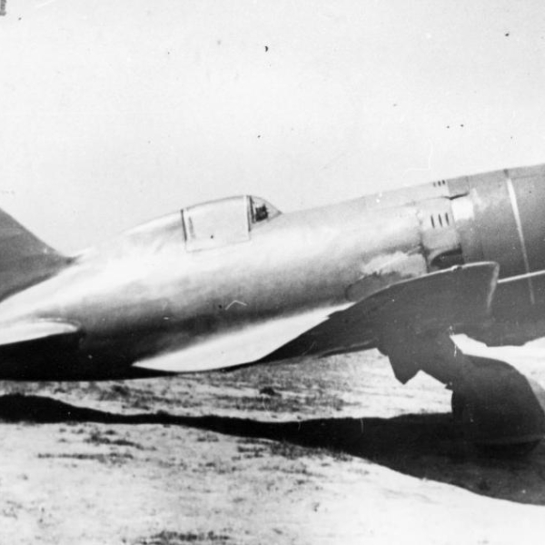 4а.И-180-3 во время второго этапа летных испытаний.