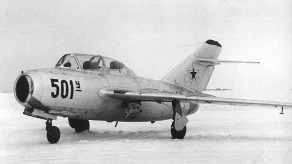 5.МиГ-15УТИ (СТ-2). 1