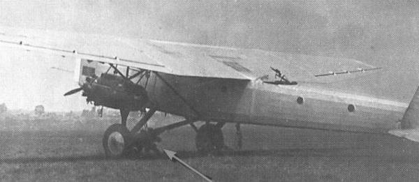5.ТБ-5 после аварийной посадки. Аэродром з-да № 22 в Филях. Май 1932 г..
