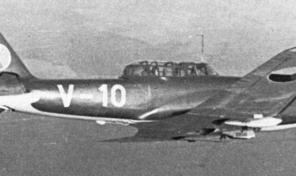 5.Учебный чехословацкий CB-33.
