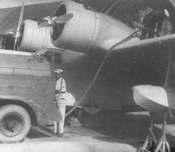 5.Заправка МДР-6 топливом перед испытательным полетом.