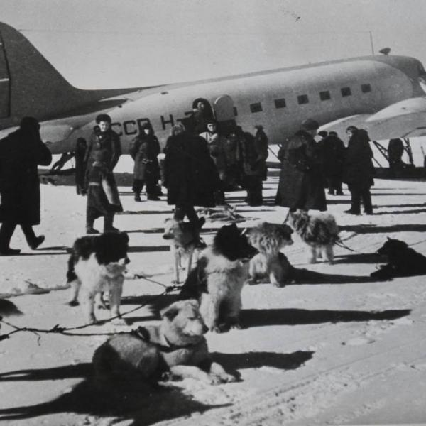 5а.Ли-2 Авиаарктика.