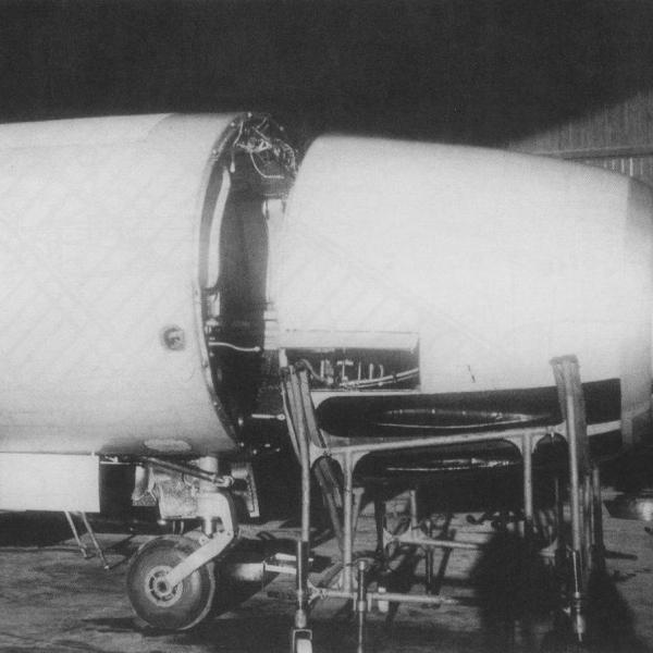 5б.Монтаж на Ла-200 РЛС Торий-А.