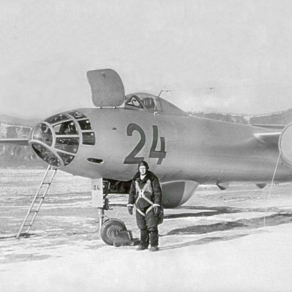 6.Ил-28 на стоянке.