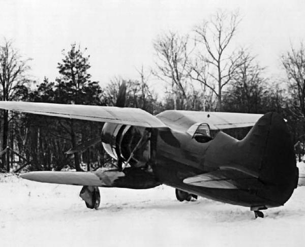 6.Истребитель ИС-2.