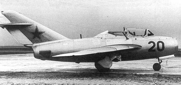 6.МиГ-15УТИ (СТ-10). 1