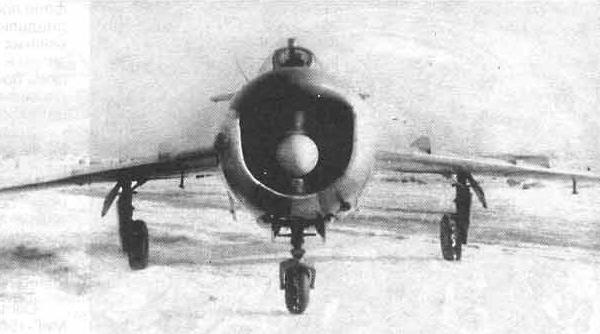 6.МиГ-17ПФ. Вид спереди.