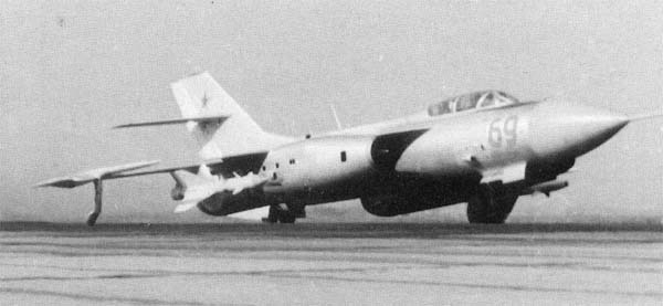 6.Як-27К на взлете.