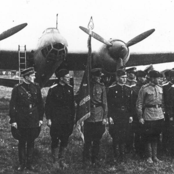 6а.Построение авиаполка вооруженного бомб. Ту-2.