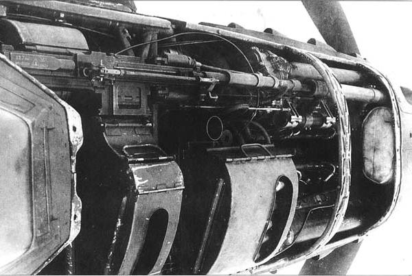 6а.Установка пулемета УБС на Як-9Т.