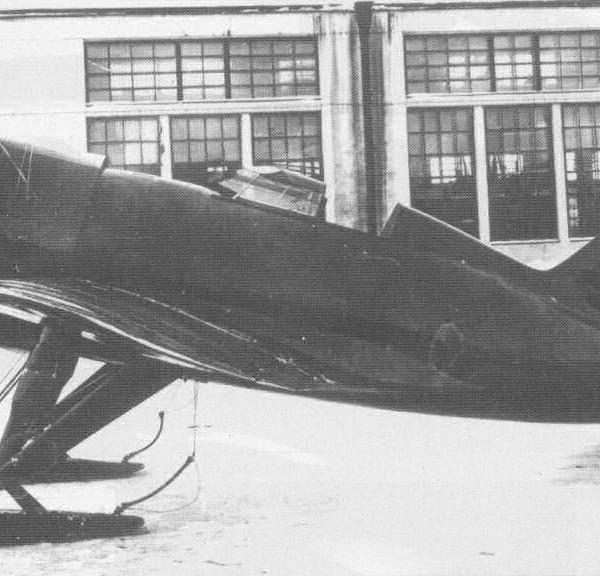 ЦКБ-12 М-22 на лыжном шасси.