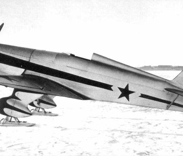 6г.УТ-1 с двигателем Renault-4. НИИ ВВС. 1939 г.