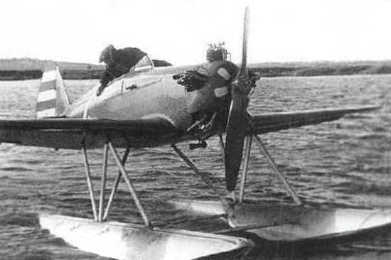 6в.УТ-1 с поплавковым шасси. 3