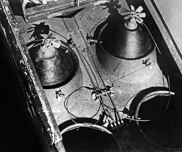 7.Авиабомбы в грузовом отсеке Як-9Б