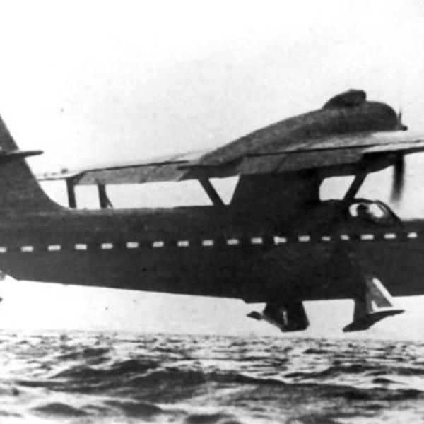 7.Бе-8 на подводных крыльях.