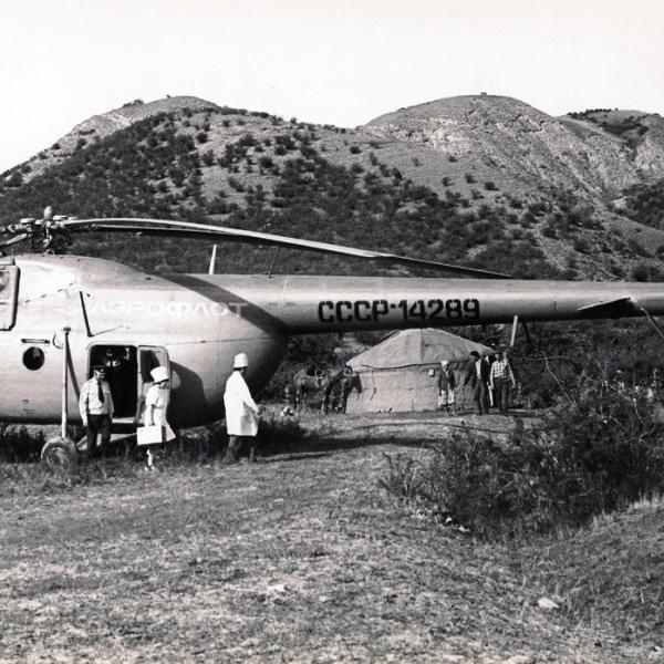7.Ми-4ПС с бр. врачей в Тандымском районе Узб. 1963