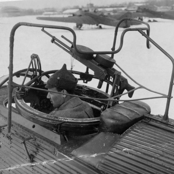 7.Носовая турель самолета Р-6.