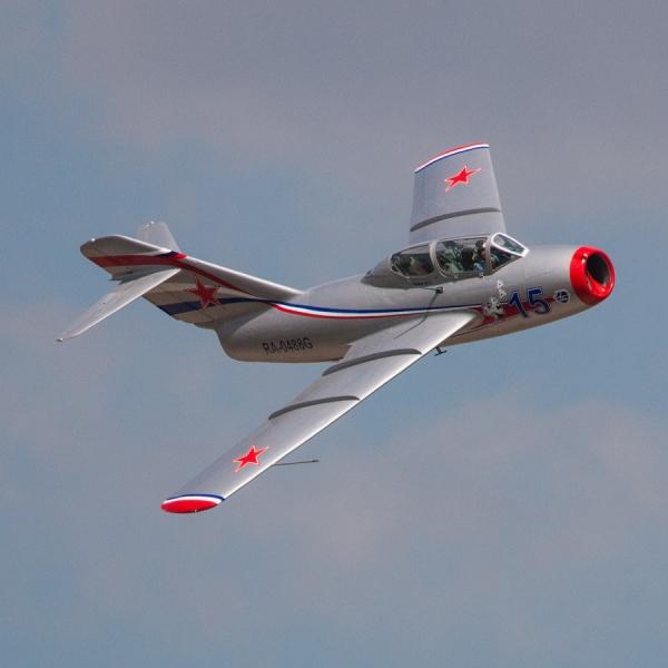 8.МиГ-15УТИ в полете. 2