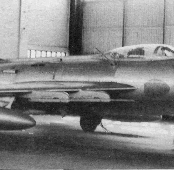 8.МиГ-19ПМ в ангаре музея ВВС Монино.